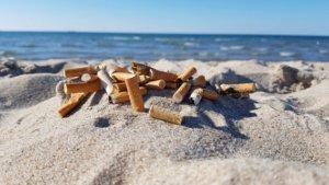 Zigaretten am Strand