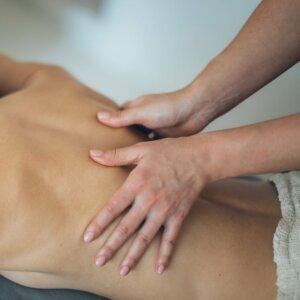 Massage im Hoya Institut