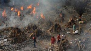 Verbrennung der Coronatoten in Indien